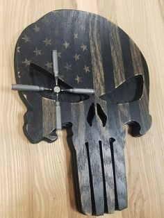 American Flag Wood Punisher Skull Distressed Ammo Crosshairs Man Cave Tactical Wall Hanging Sign Wall Art