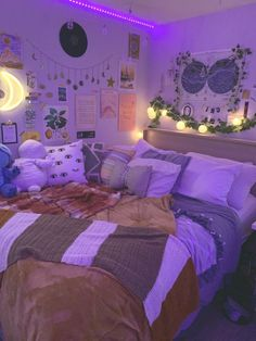 room ideas aesthetic grunge ~ room ideas - room ideas aesthetic - room ideas bedroom - room ideas for small rooms - room ideas aesthetic grunge - room ideas for men - room ideas bedroom teenagers - room ideas aesthetic vintage Bedroom Decor For Couples, Room Ideas Bedroom, Bedroom Inspo, Bedroom Themes, Bedroom Styles, Chill Room, Cozy Room, Indie Room, Neon Room