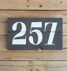 ADDRESS PLAQUE Outdoor House Number Sign, Chalk Paint, Pallet Sign, Porch Decor, Street Number, Farmhouse, Rustic, Plank Sign, Horizontal Free Pallets, Wooden Pallets, Address Plaque, Address Signs, Pallet Kids, Pallet Storage, Chalk Paint Colors, Pallet Painting, House Numbers