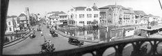 SURABAYA - KAWASAN KEMBANG JEPUN  Jalan Kembang Jepun tahun 1930, difoto dari Gedung Internatio – Jembatan Merah – gerbang Barat. (dari Surabaya Tempo Dulu, dok: Yousri)