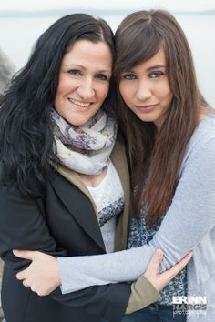 Close special bond between mother and daughter Mom And Me Photos, Mother Daughter Poses, Mother Daughter Pictures, Mom Daughter Photography, Teenager Photography, Photography Poses, Adult Family Poses, Family Posing, Family Portraits