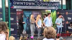Downtown Disney Live, Descendants cast teaches the dance from Set It Off, (and the end of DDLive) Disney Descendants Cast, Descendants Videos, Descendants Characters, Disney Channel, Doll Drawing, Disney Decendants, Diy Projects For Men, Epic Film, Zombie Disney