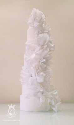 Tall, thin and romantically sophisticated ~ our ©MariettaBloom Cake. What kind of Wedding Cake do you want?