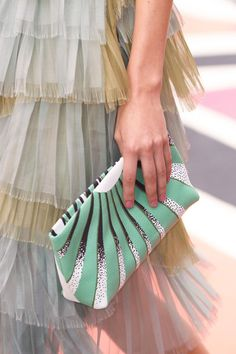 Burberry Prorsum at London Spring 2015 (Details)