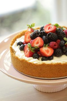 Learn how to make my Triple Berry, No-Bake Cheesecake Recipe. The perfect dessert for summertime entertaining when it's too hot to cook. Summer Desserts, No Bake Desserts, Easy Desserts, Delicious Desserts, Dessert Recipes, Easy No Bake Cheesecake, Berry Cheesecake, Baked Cheesecake Recipe, Bolos Naked Cake