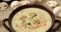 Kremowa zupa serowo-pieczarkowa. Do garnka wkładamy udka z kurczaka,dodajemy listki laurowe,ziarna ziela angielskiego i pieprzu,zalewamy... Sprawdź!
