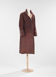Evening coat Design House: House of Lanvin  Designer: Jeanne Lanvin Date: spring/summer 1926 Culture: French Medium: silk Accession Number: 2009.300.2640