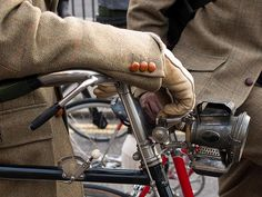 Ride in tweed. Style