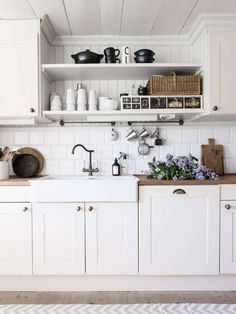 50 LUXURY FARMHOUSE KITCHEN DESIGN IDEAS ✓ - If you wish to have a Luxurious Farmhouse Kitchen Design Concepts. Possibly some suggestions from our staff can present inspiration to resolve your downside. We hope our article might be inspiring. Small Kitchen, Kitchen Remodel, Kitchen Decor, House Design Kitchen, Kitchen Dining Room, Home Kitchens, Farmhouse Kitchen Design, Kitchen Renovation, Kitchen Design