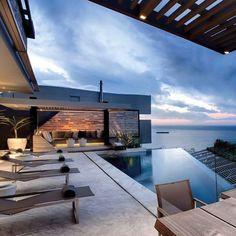 stunning #view . . . . Credit to respective owners. . . . . . #mansion #luxurystyle #millionairemindset #homedesign #houzz #luxuryhomes  #builder#inspire #diy #architecture #mclaren #interiorstyling#courtyard #wow #sunset #lifestyle#dream #motivation #luxurydesign #inspiration #interior123 #decorideas #landscape#landscaping #entry #luxuryrealestate #realestate#dreamhome