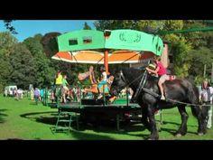 Het bestaat nog... een echte, diervriendelijke paardenmolen.