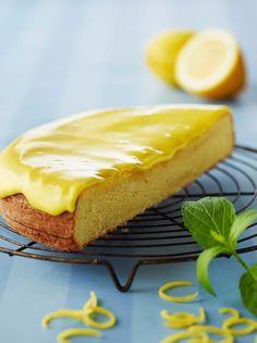 Citronmåne : Citronmånen gemmer sin friske smag af citron i en blød og luftig kage. - Se de lækre opskrifter fra Dr. Oetker.