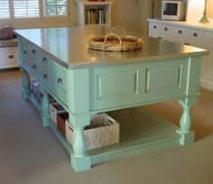 Good idea to use aluminum sheeting instead of regular countertops for the #CraftRoom.  Won't scratch or mark up like regular countertops would.