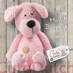 Hond Donna is gemaakt met Teddy van RicoDesign en Catona van Scheepjeswol en wordt ongeveer 40 cm groot. Let op: je koopt het haakpatroon en niet het eindproduc