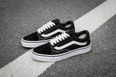 983a1da813a9 VANS OLD SKOOL Classic Mens Sneakers shoes