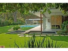 Midcentury modern home once owned by Vidal Sassoon.