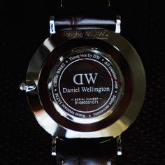 cách phân biệt đồng hồ daniel wellington thật giả