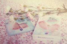 TesterKorea, la boutique en ligne à tester ! http://wheeeconfetti.wordpress.com/2013/05/14/testerkorea-la-boutique-en-ligne-a-tester/ Baby silk foot mask - Holika Holika