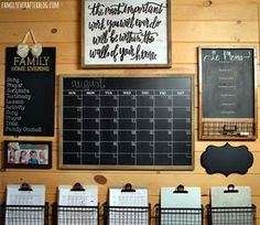 35 Smart Ways To Decorating Family Schedule And Command Center Ideas Command Center Kitchen, Family Command Center, Command Centers, Chalkboard Command Center, Chalkboard Calendar, Decoration Design, Diy Design, Interior Design, Family Schedule