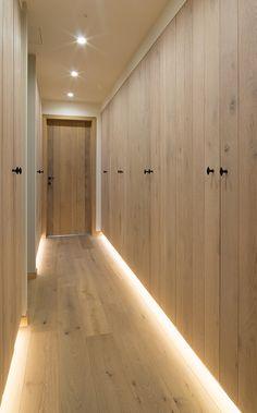 Dream Home Design, Home Interior Design, Interior Decorating, House Design, Cosy House, Wardrobe Room, Muji Home, Hallway Storage, Modern Luxury