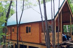 between cottage and cabin: Building the Cabin