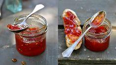 Když už opravdu nevíte co s rajčaty, které vám dozrávají na zahrádce, tak zkuste tento neobvyklý recept. Možná je to pro odvážlivce, ale výsledek… Marmalade Jam, Tomato Jam, Brunch, Food And Drink, Fresh, Vegetables, Cooking, Breakfast, Kochen