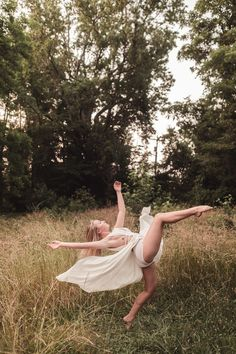 dance photography Dancer photography, dance Photoshoot, dancer on film Dance Picture Poses, Dance Photo Shoot, Dance Pictures, Dance Photoshoot Ideas, Dancer Senior Pictures, Senior Photography, Dancer Photography, Portrait Photography, Dance Aesthetic