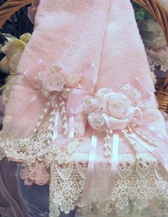 Decorative Towels...♥ the lace..