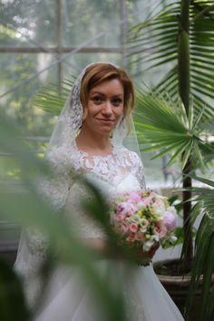 My Journal, Wedding Dresses, Fashion, Bride Dresses, Moda, Bridal Gowns, Fashion Styles, Wedding Dressses