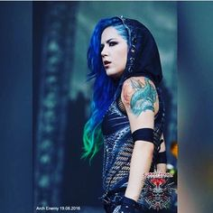 "206 Likes, 2 Comments - Alissa White Gluz Legion (@beastlings_legion) on Instagram: ""6 days to go until i see my next @archenemyofficial show! Hope some of my As The Stages Burn vinyls…"""