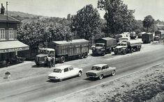 DS-19-et-Simca-Aronde-Vacance-d-été-Nationale-7-Provence-Cote-d-Azur-France-Europe Vintage Cars, Vintage Photos, Automobile, Beautiful Roads, Citroen Ds, Back In Time, Old Trucks, Old Cars, Cars And Motorcycles