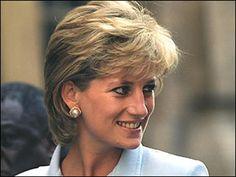 Photo of lady diana for fans of Princess Diana 19086003 Princess Diana Hair, Princess Diana Photos, Royal Princess, Princess Of Wales, Princess Pics, Diana Haircut, Diana Fashion, Women's Fashion, Diane