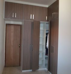 lateral Bedroom Built Ins, House Design, Bedroom Furniture Design, Bedroom Decor, Tall Cabinet Storage, Interior, Wardrobe Room, Closet Bedroom, Home Decor