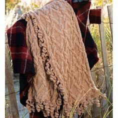 Free Pattern: Cable Twirl Wrap