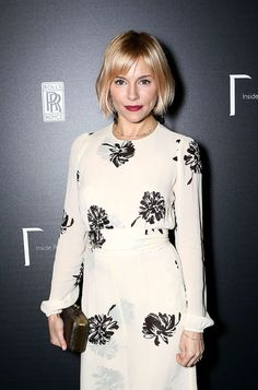 Looking for the best way to bob hairstyles 2019 to get new bob look hair ? It's a great idea to have bob hairstyle for women and girls who have hairstyle way. You can get adorable and stunning look with… Continue Reading → Cool Haircuts, Hairstyles With Bangs, Layered Bob Hairstyles, Cool Hairstyles, Good Hair Day, Great Hair, Sienna Miller Bob, Melena Bob, Up Dos