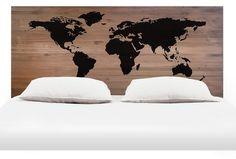 168€ Cabecero 1,5 madera envejecida world map. #cabecero #mundo #madera…