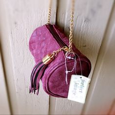 Small Rhombic Cylinder Violet Bag with Tassels Brand: Perfect image       Size: small       Color: violet        Pattern: rhombic        Form: cylinder        Gold chain         Tassel zipper        New with tag Bags Crossbody Bags
