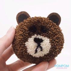 DIY Tutorial - How to Make a Pompom Brown Bear - Pompom Tutorial Diy Craft Projects, Diy Crafts Hacks, Pom Pom Crafts, Yarn Crafts, Pom Pom Animals, Yarn Dolls, Pom Pom Maker, How To Make A Pom Pom, Etsy Business