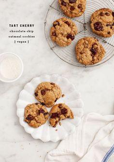 Vegan Cherry Chocolate Oatmeal Cookies / http://loveandlemons.com for /choosecherries/