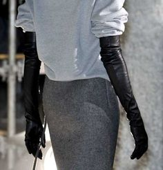 love the extra long gloves with sweat shirt like top. Need to convince to get a pair of these Black Leather Gloves, Leather Pants, Elegant Gloves, Gloves Fashion, Long Gloves, Gray Matters, Dress Gloves, High Fashion, Womens Fashion