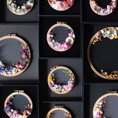My little collection of dry flower wreaths is expanding. Not sure how postable these are, but as soon as I do, I hope to have a little batch listed in my shop. Enjoy your weekend! #whphowicreate