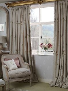Country home Celebrate the roses in the garden with embroidered curtains French Curtains, Curtains With Blinds, Cottage Living Rooms, Cottage Interiors, Cottage Curtains, Bedroom Curtains, Curtain Designs For Bedroom, Luxury Curtains, Zeina