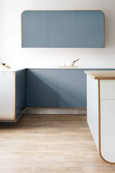 FORECAST: Curved Cabinetry Be ahead of the curve with the new design trend thats taking over kitchen cabinet design. New Kitchen Cabinets, Built In Cabinets, Kitchen Cabinet Design, Interior Design Kitchen, Minimal Kitchen Design, Küchen Design, Layout Design, Design Trends, News Design
