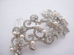 Bridal hair comb. Brooch hair comb,Vintage style ivory white crystal pearl wedding bridal hair comb,wedding hair accessories,bridal comb