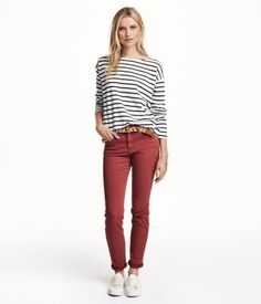 5-Pocket-Hose aus stretchigem, gewaschenem Baumwolltwill. Modell mit schmalem Bein und normaler Bundhöhe in 38