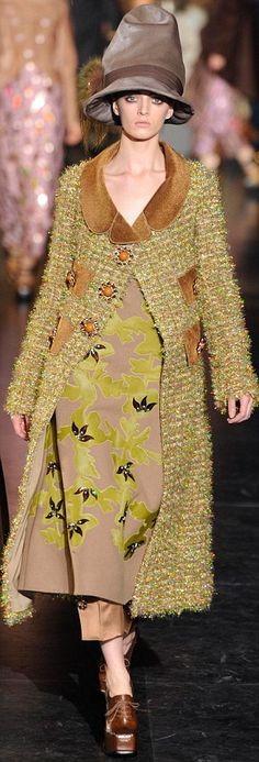 Marc Jacobs unveiled an Edwardian-inspired collection for Louis Vuitton on the final day of Paris Fashion Week
