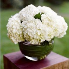 Simple and perfect Junebug Weddings - Wedding Photo Gallery – Photography - Ideas - flowers Neutral Wedding Flowers, Cheap Wedding Flowers, White Flowers, Beautiful Flowers, White Hydrangeas, Flower Centerpieces, Wedding Centerpieces, Floral Centrepieces, Flowers Decoration