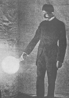 1898-Some experiments in Tesla's laboratory with currents of high potential and…