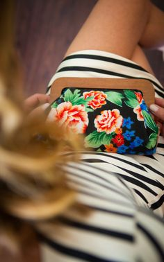 Floral prints are so fun for Spring and Summer! #clutch #vintage #floral