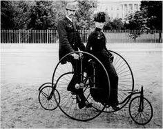 Resultado de imagem para enfeitando seu quintal com bicicletas